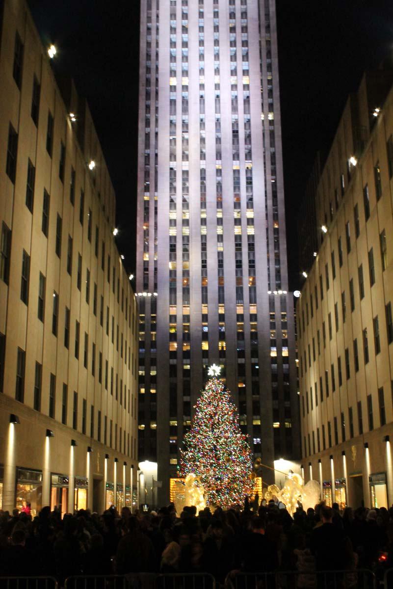 Rockefeller Christmas Tree: Tourist Central