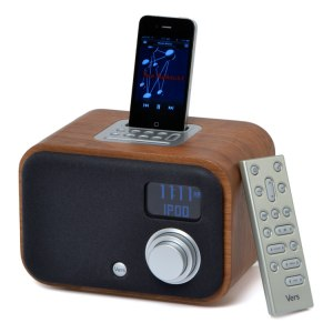 vers-1.5r-walnut-front-iphone