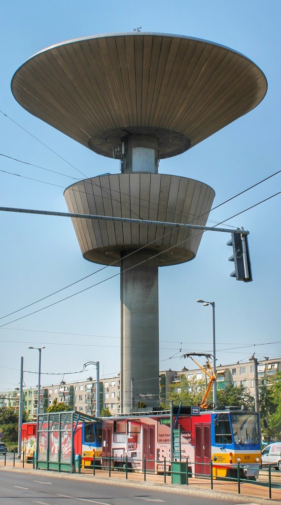 szeged_water_tower_tram_maclaine_img_7653-01